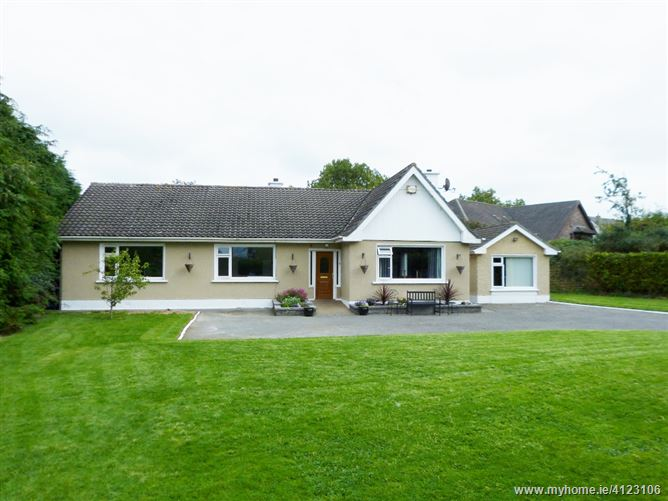 Innwood, Finnstown Cross, Newcastle Road, Lucan, Dublin