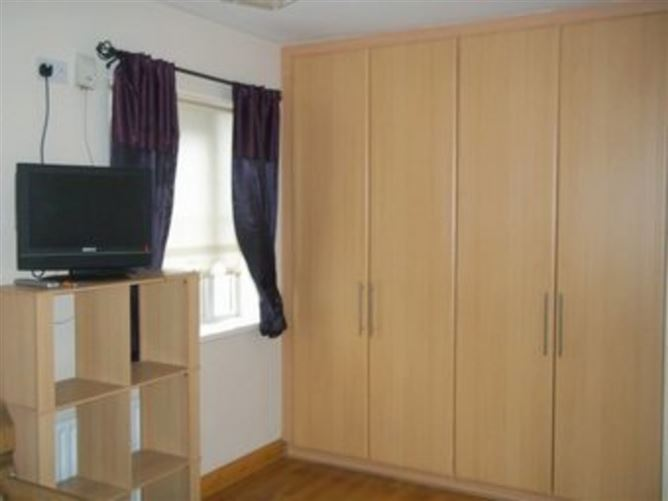 "Main image for Modern and comfortable, ""Tyrrelstown Dublin 15"