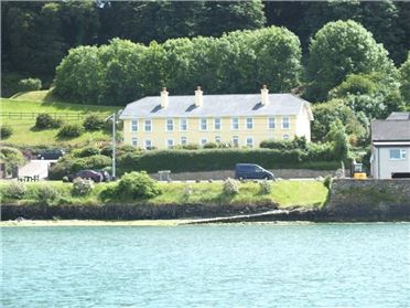 8 Anchor Bay Cottage, Courtmacsherry, Co.Cork