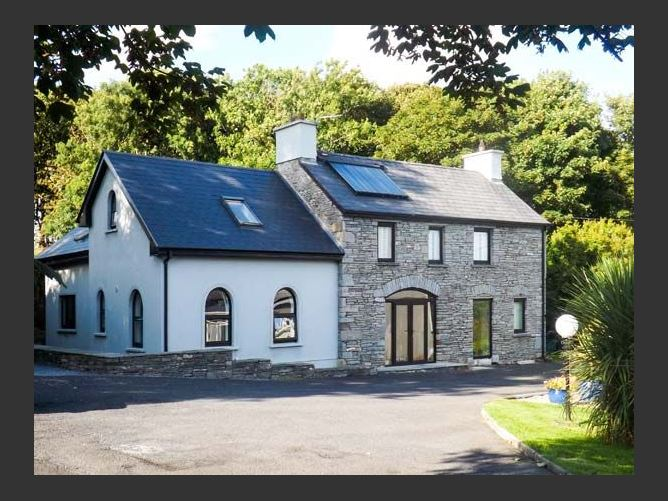 Main image for Sunnyside Cottage, ENNISTYMON, COUNTY CLARE, Rep. of Ireland