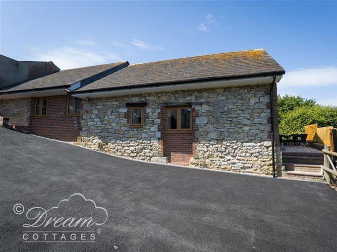 Main image for Markham Cottage, WYKE REGIS, United Kingdom