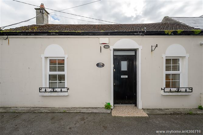 Main image for Hazel Cottage, 6 The Square, Skerries, Co Dublin