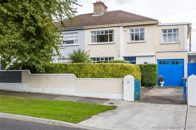 47 South Avenue, Mount Merrion,   County Dublin