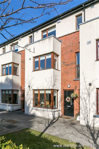 4 The Avenue, Carrickmines Manor, Carrickmines, Dublin 18