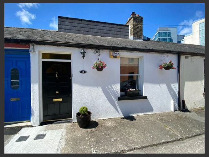 Main image for 3 Emerald Cottages,Off Grand Canal Street,Dublin 4,D04 Y3C9