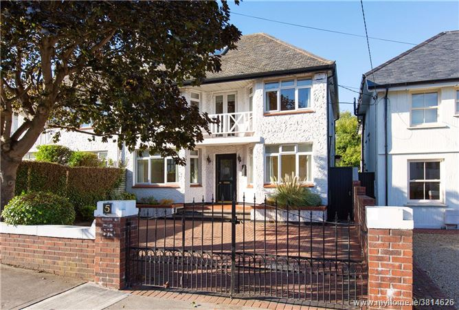 5 Trees Road, Mount Merrion, Co. Dublin