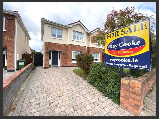 8 Carrigmore Court, Citywest, County Dublin