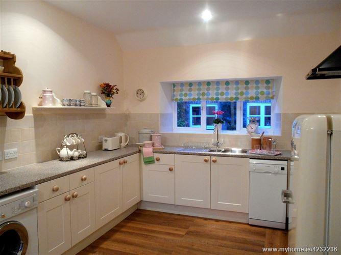 Main image for Magnolia Cottage,Chilcompton, Somerset, United Kingdom