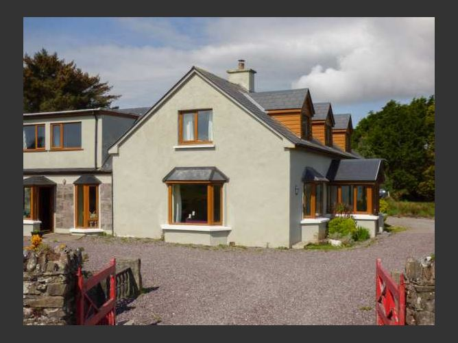 Main image for Tigh An Droichid, BALLINSKELLIGS, COUNTY KERRY, Rep. of Ireland