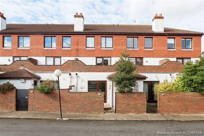 63 White Oaks, Roebuck Road, Clonskeagh,   Dublin 14