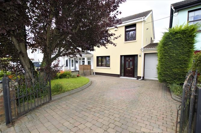 Main image for 28 Woodvale Drive, Clonsilla, Dublin 15