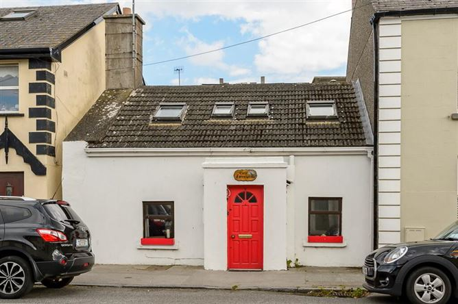 Main image for Cois Farraige, 2 Quay Street, Skerries, Co. Dublin