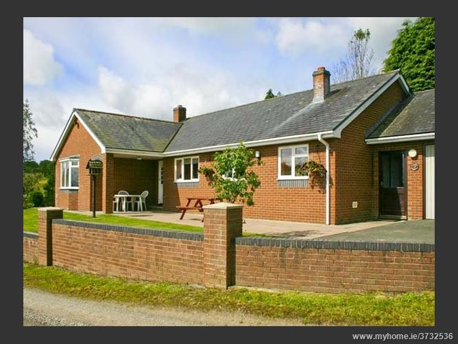Main image for Gwynfan Bungalow Pet,Llanyre, Powys, Wales