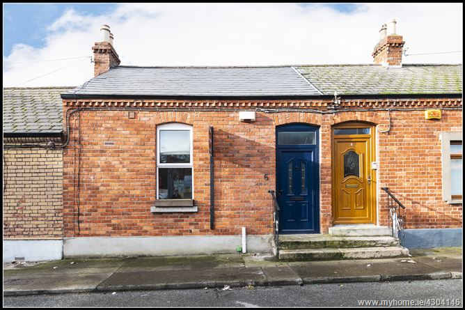 Main image for 6 St Joseph's Avenue, Drumcondra, Dublin 9