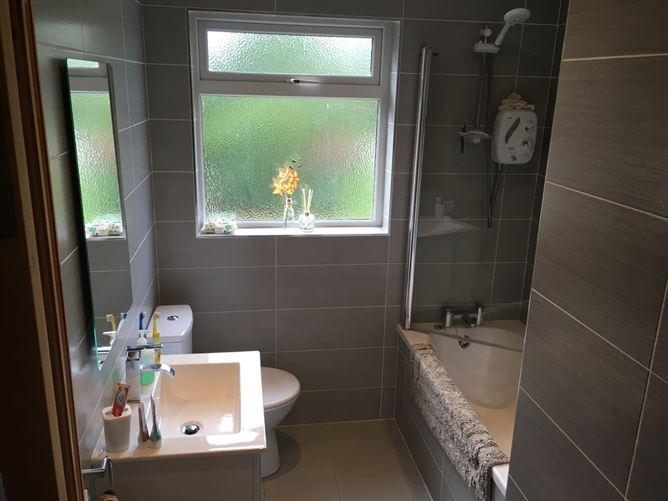 Main image for Lovely, bright double room 01, 09!, Dublin 16, Dublin