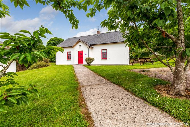 Mollys Cottage, Barnabrow Village, Midleton, Co Cork, P25 YH68