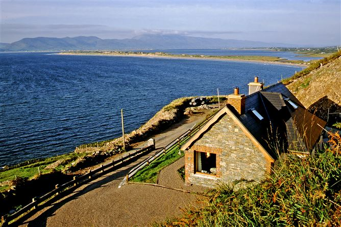 Main image for Rossbeigh (527), Glenbeigh, Kerry, V93 EH31