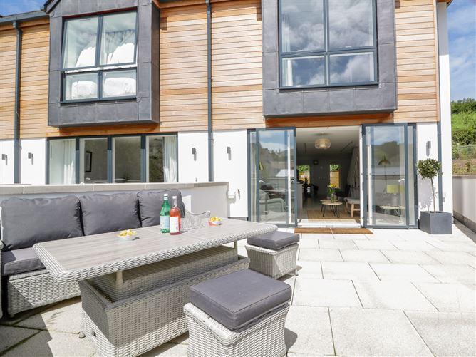 Main image for Beachstone, 6 Island Place, SALCOMBE, United Kingdom
