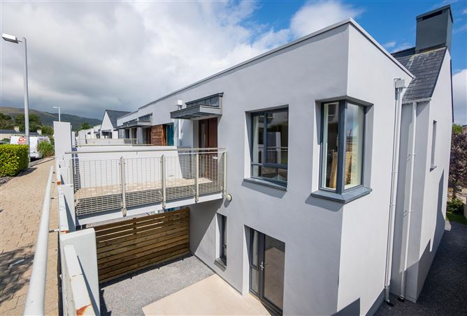Main image for no.39 Copper Point, Airhill, Schull, West Cork