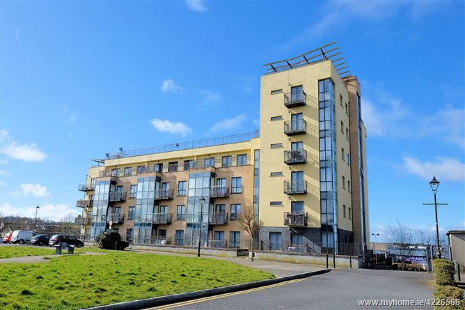 Main image of 39 Harbour Point, Market Square, Longford, Longford