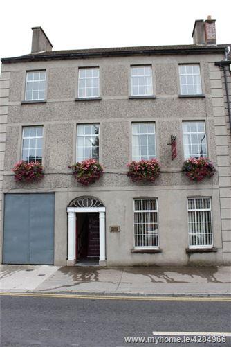 14 Summerhill, Nenagh, Co.Tipperary