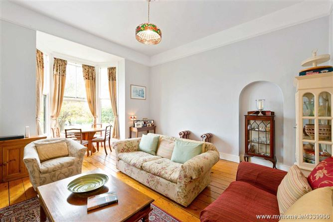 Main image for 1 Eaton Square, Hall Apartment, Monkstown, Co. Dublin