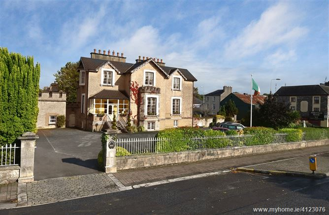Abbeyville House, Abercromby Place , Fermoy, Cork