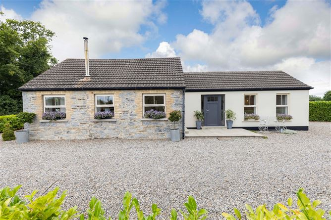 Main image for Strawberry Cottage,Curtistown,Kilmessan,Co Meath,C15A6R6