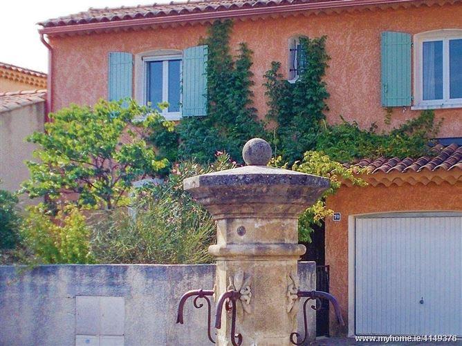 La Cachette Douillette,Cavaillon, Provence-Alpes-Côte d'Azur, France
