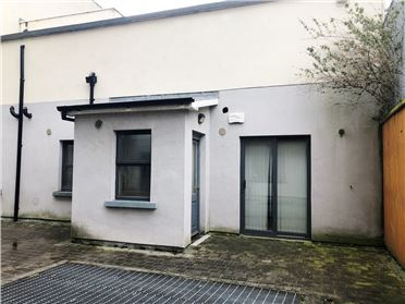 Main image of 102 Block C, An tSean Mhargadh, Greenlanes, Drogheda, Louth