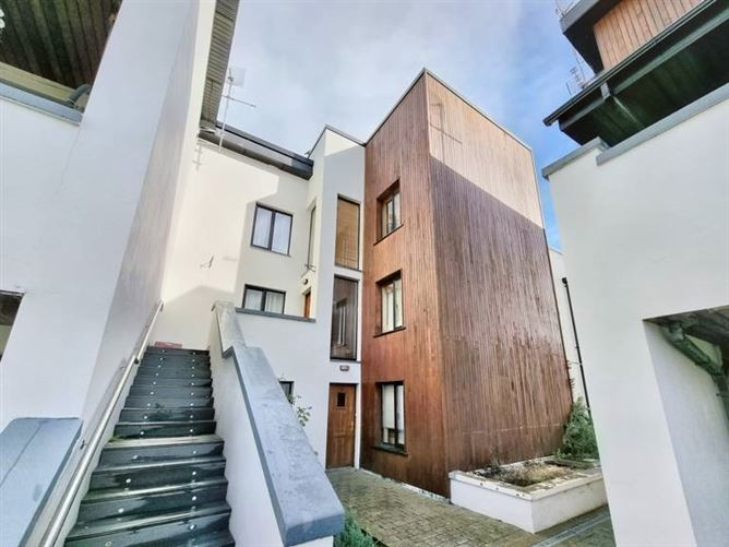 Main image for Apartment 15, The Square, Buttery Court, Mallow, Co. Cork