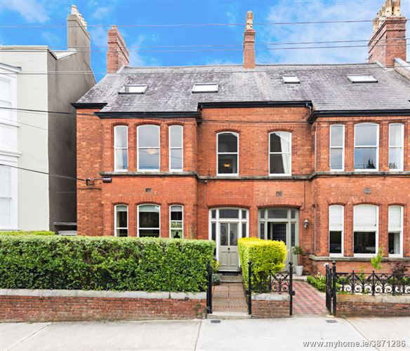 10 Eaton Square, Monkstown, County Dublin