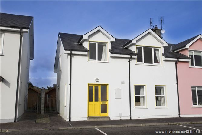 2 Caher Square, Castlegregory, Co Kerry, V92 X8N8