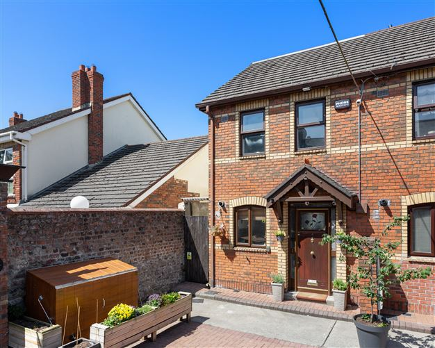 Main image for 1 Grove Mews, Castle Terrace, Phibsboro, Dublin 7