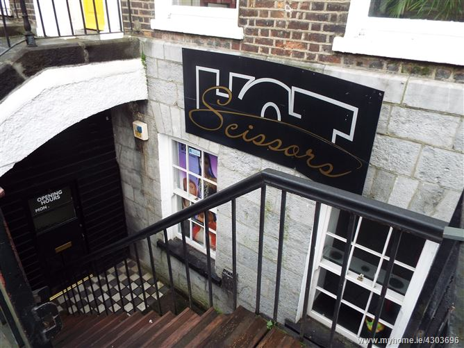 Hairdressers, 4 The Crescent, O'Connell Avenue