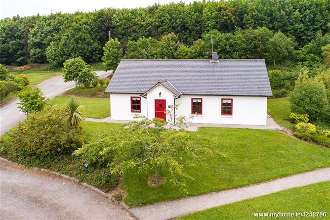 Sallys Cottage, Barnabrow Village, Midleton, Co Cork, P25 YY31