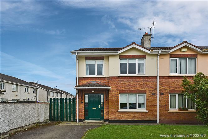1 The Crescent,Lennonstown Manor