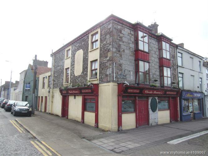 Charlie Browne's Bar, 1 & 2 Brian Boru Square, Fermoy, Cork