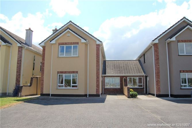 2 Waterside, Cappahard, Ennis, Co Clare, V95 R2W2