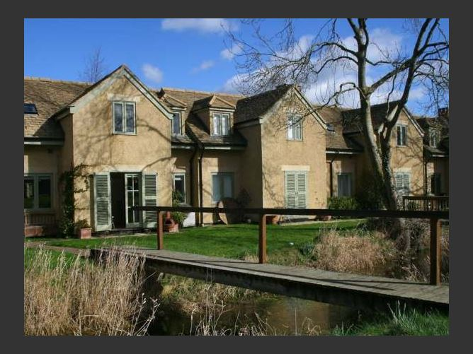 Main image for Kingfisher House, COTSWOLD WATER PARK, United Kingdom