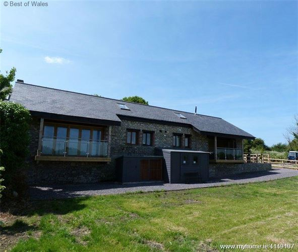 Y Cudyll Coch,Cardiff, Vale of Glamorgan, Wales