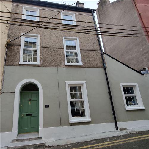 Main image for Dewsbury House, 17 De Valera Street, Youghal, Cork