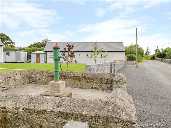 Main image for Tom & Mary's Place,Tom & Mary's Place, Lisquell East, Ballygar, County Galway, F42 C594, Ireland