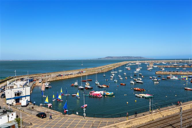 Main image for 100 Clearwater Cove, Dun Laoghaire, County Dublin, A96 HE09