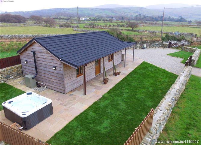 Enlli Lodge,Barmouth, Gwynedd, Wales