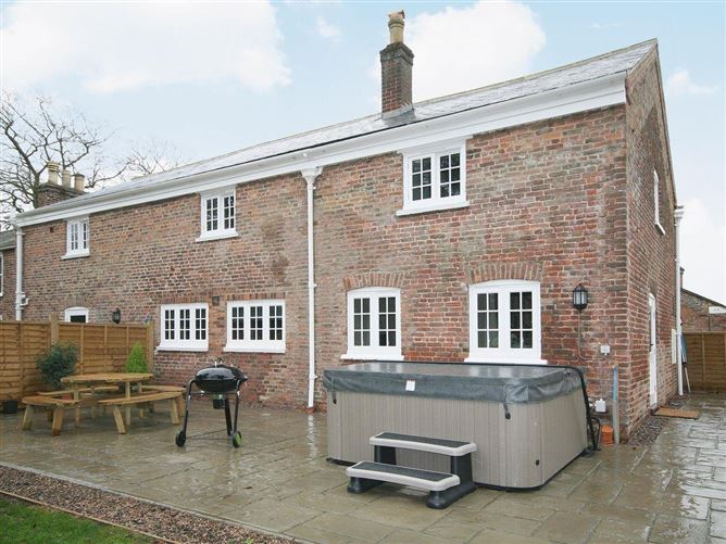 Main image for Chestnut Cottage ,Wainfleet-St-Mary,Lincolnshire,United Kingdom