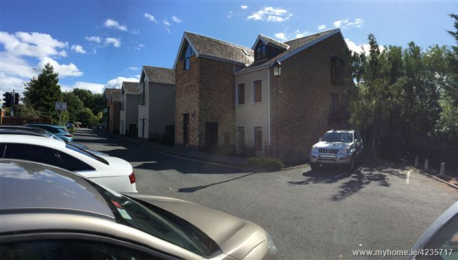 Village Court, Butterfield Avenue,, Rathfarnham, Dublin 14