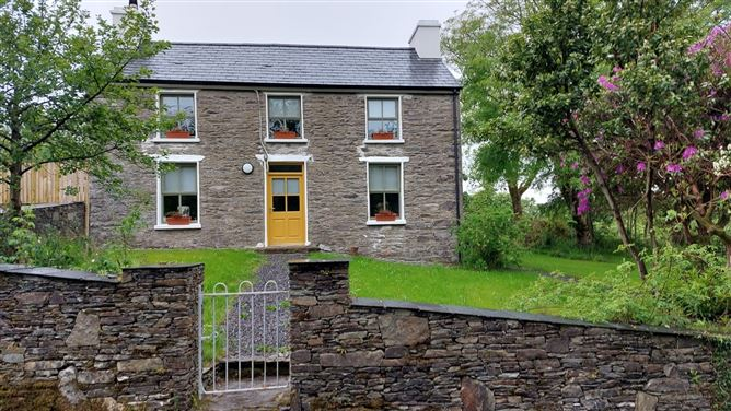 Main image for Cooragurteen, Ballydehob, West Cork, P81D215