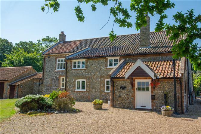 Main image for Bizewell Farmhouse,Sidestrand,Norfolk,United Kingdom