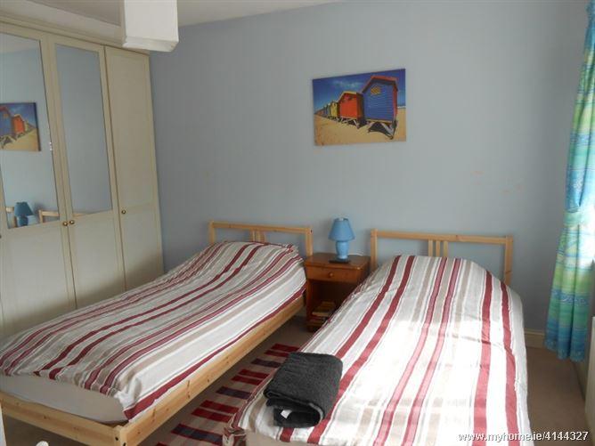 Twin Room En Suite To Share, Leopardstown, Dublin 18